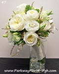 David Austin Roses with white lisanthsis and calcenia