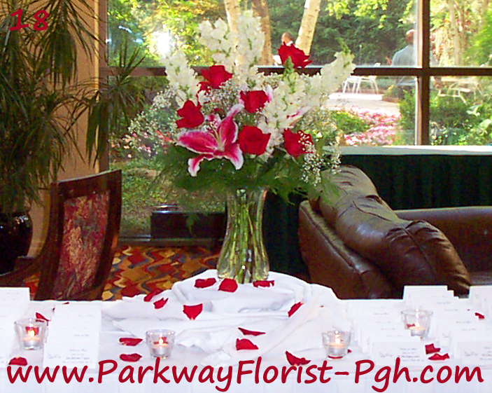 Place card table ideas parkway florist pittsburgh blog for Ideas for wedding place cards table