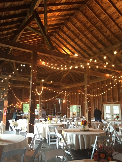 armstrong-farms-wedding-barn-interior