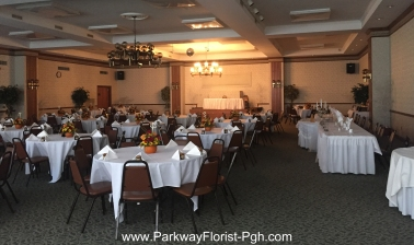 st-pamphilus-hall-pumpkin-centerpieces