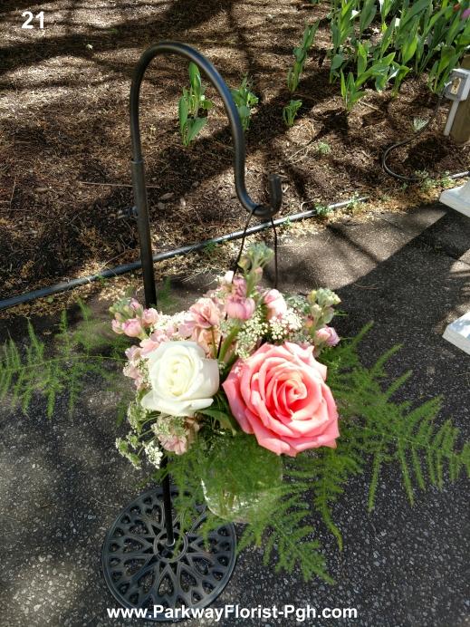 pew flowers 21