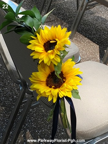 pew flowers 22
