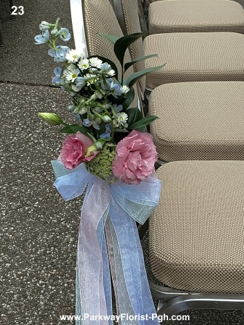 pew flowers 23